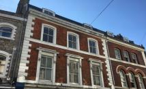 Southside Street Flat to rent