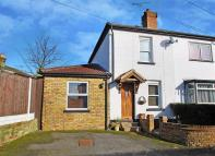 2 bed semi detached home in Alice Lane, Burnham, SL1