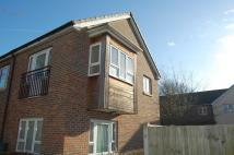 Flat to rent in Ellwood Place...