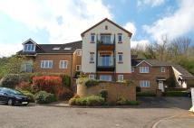 2 bed Flat to rent in Holly Place, Loudwater...