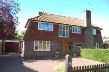 5 bed Detached property in Links Road...