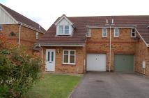 3 bed semi detached house in Rowan Close, Sleaford