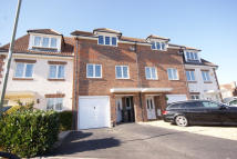 Town House for sale in David Newberry Drive...
