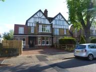 2 bedroom Flat in Lennard Road, Beckenham...