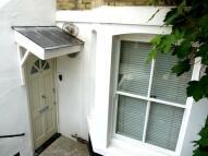 2 bedroom Flat in Whiteley Road...