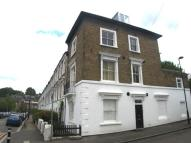 2 bed Flat to rent in Woodland Hill, London...