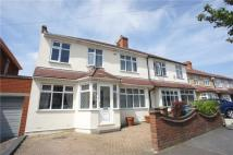 4 bed semi detached property in Lulworth Road, Welling...