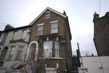 3 bed Flat in Park Road, Leyton