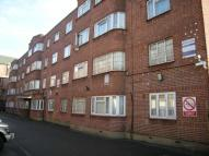 Flat for sale in Bridge Court...