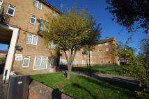 2 bedroom Flat in Thornhill Gardens, Leyton