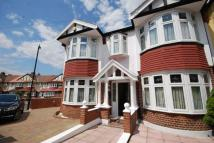 5 bed End of Terrace house in Hillside Gardens London...