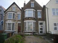 1 bed Flat to rent in Hainault road...