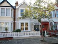 4 bedroom Terraced house in Summerlands Avenue, Acton