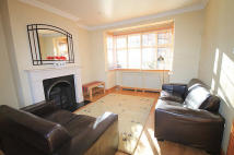 4 bedroom property to rent in Park Drive, Acton