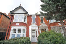 3 bed Flat to rent in Goldsmith Avenue, Acton