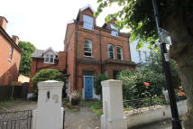 2 bed Flat in Avenue Gardens, Acton