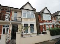 4 bed house in Whitehall Gardens, Acton