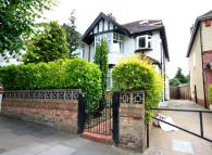4 bed property in Acacia Road, Acton