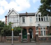 4 bed house in Gunnersbury Lane, Acton