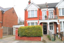 4 bed house in Cumberland Road, Acton