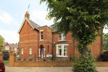 Flat for sale in Shaa Road, Acton