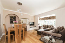 Links Road Flat for sale