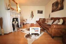 Goldsmith Avenue Flat to rent