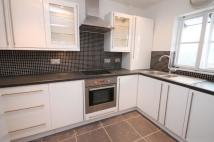 1 bedroom Flat in Beechwood Grove, Acton...