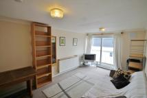 Flat to rent in Gunnersbury Lane, Acton...