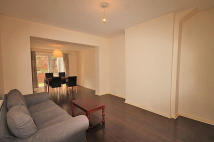 4 bed home in Braid Avenue, Acton...