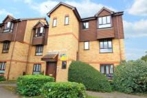 2 bed Flat in Old Orchard Court...