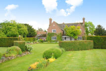 5 bedroom Detached property to rent in Long Wittenham,  OX14