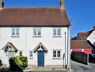 3 bed semi detached house in 4 Spinners Way, Mere...