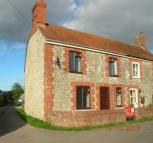Detached property to rent in Ivy Cottage, Southbrook...
