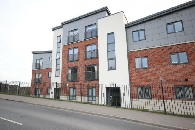 2 bedroom flat to rent in brooke court auckley doncaster