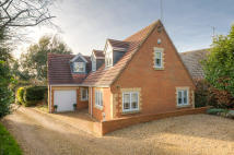 4 bed Detached house in Meadow Close, Rushden...