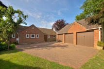 5 bedroom Detached house for sale in Mill Lane, Earls Barton...