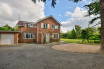 5 bedroom Detached house for sale in Hardwick Road...