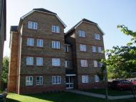 Flat to rent in Woburn Close, Thamesmead...