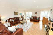 Flat to rent in Springalls Wharf...