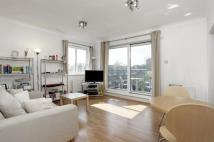 Flat to rent in Providence Square, London