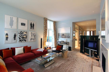 Ground Flat for sale in Cadogan Square...