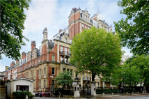 4 bed Flat for sale in Rutland Gardens...