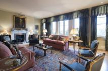 Flat for sale in Cambridge Gate...