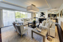 Flat for sale in Eaton Square...