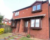 2 bed Town House in **REFURBISHED...
