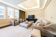 3 bed Flat in Curzon Street...
