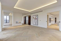 4 bedroom Penthouse to rent in St Edmunds Terrace...