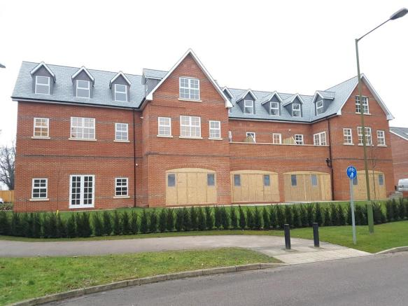 bedroom apartment to rent in goldring way london colney st albans
