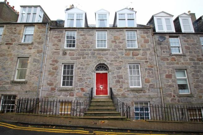 3 bedroom flat to rent in skene terrace aberdeen